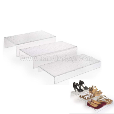 Set of 3 Acrylic Risers with Ripple Effect F15001S