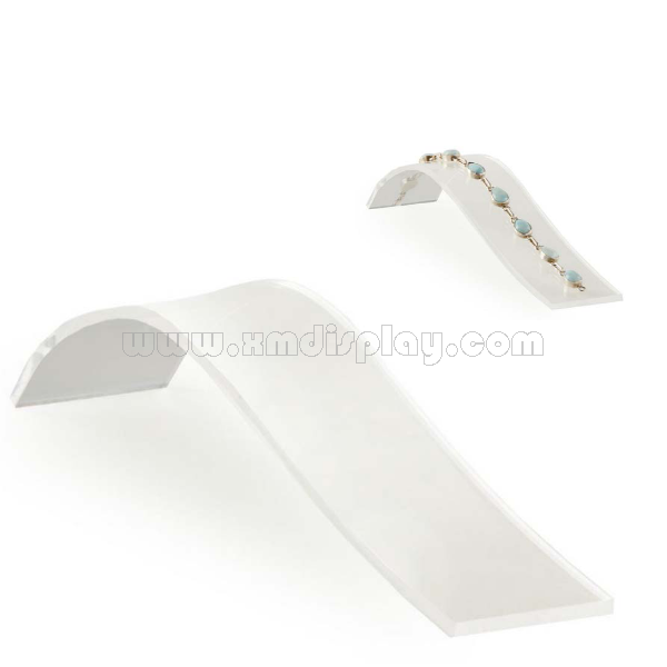 Small Bangle Holder with Angled Design